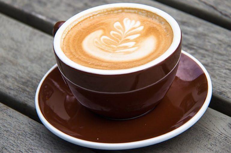 Kafeina mund të kompensojë disa rreziqe shëndetësore
