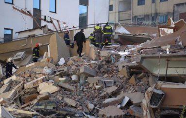 Biznesmeni nga Zvicra dërgon shtëpi për strehim të familjeve të prekura nga tërmeti