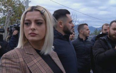 Tërmeti/ Pasi mbledh gati 100 mijë dollar Bebe Rexha vjen në Shqipëri: Nuk do ta harroj kurrë nga vij