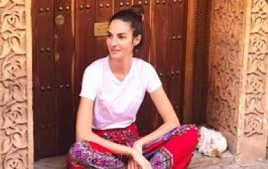 Emina Çunmulaj dhuron 10 mijë dollarë për të prekurit e tërmetit