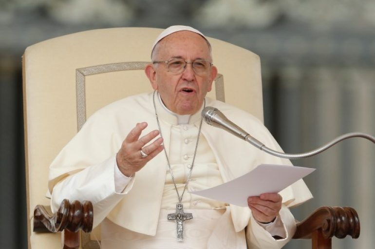 Papa Françesku: Gruaja nuk është për të larë enët, ajo është harmonia e planetit