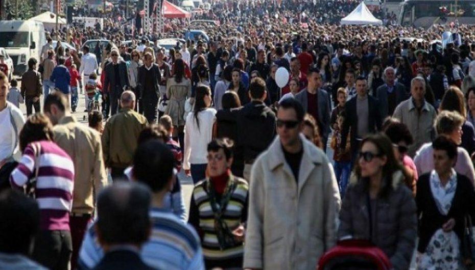 Jetëgjatësia e shqiptarëve në rritje, por ja kush është qyteti europian ku njerëzit jetojnë më gjatë sipas Eurostat